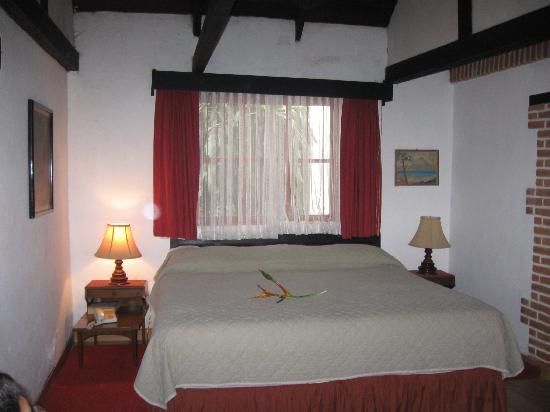 Rancho Grande Inn: king size bed