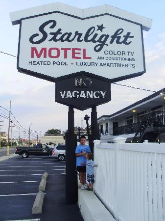 Starlight Motel & Luxury Suites: The Starlight!