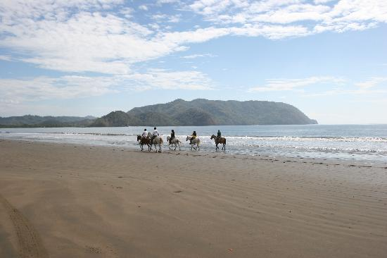 Playa Tambor, Costa Rica: picture on the beach