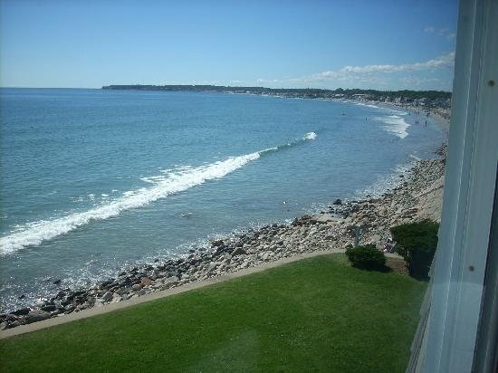 York Beach, ME: Looking from lawn onto Long Sands Beach