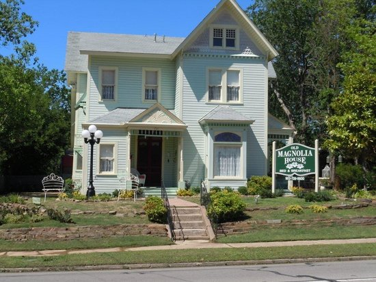 Old magnolia house bed and breakfast paris tx b b for Magnolia house bed and breakfast texas