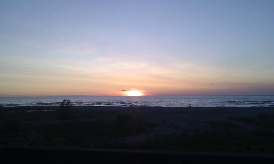The Bluewater: Lake Huron Sunse 3