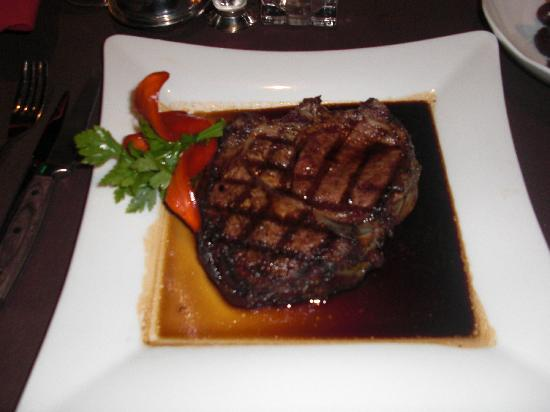 Wind Creek Casino & Hotel: Melt-in-your-mouth prime rib