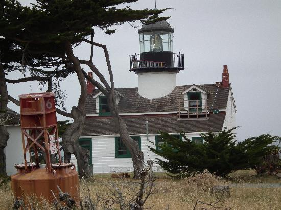 Bide-A-Wee-Inn & Cottages: Nearby lighthouse.