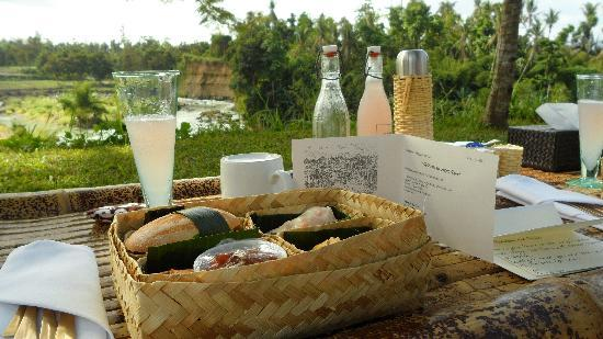 Amanjiwo Resorts: Progo picnic just amazing