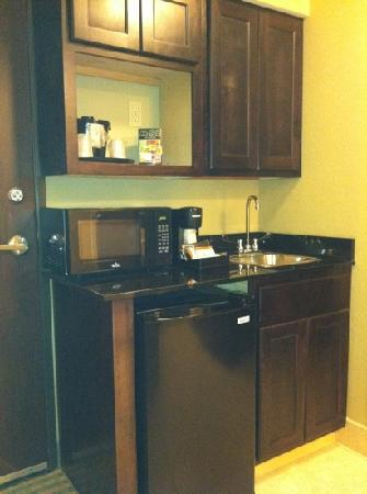 Holiday Inn Columbia East: In King suite