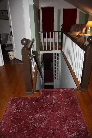 The Pfeiffer Cottage Inn: Steep Stairs