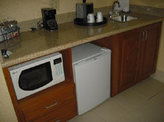 Hampton Inn &amp; Suites Ephrata : Kitchenette 
