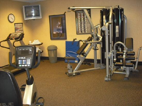 Hampton Inn & Suites Ephrata: workout area