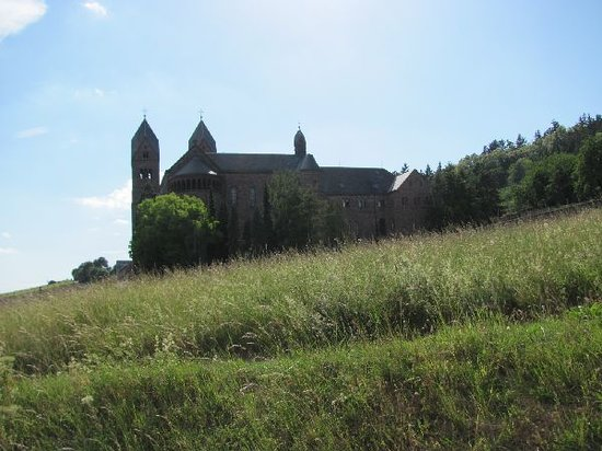 Benedictine Abbey of St. Hildegard: high and dry located