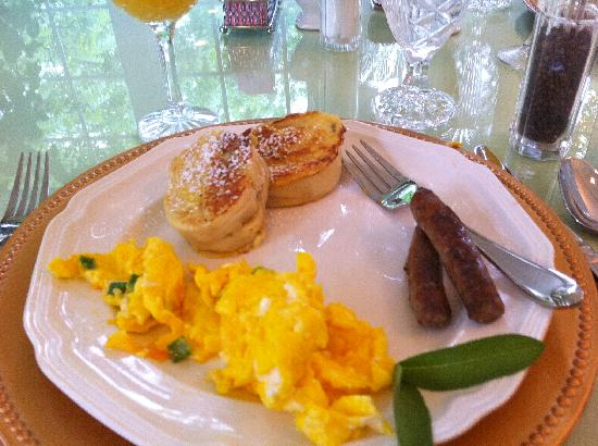 A Storybook Inn: Fantastic Breakfast!