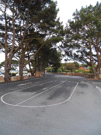 Perros-Guirec, France : Approach Drive