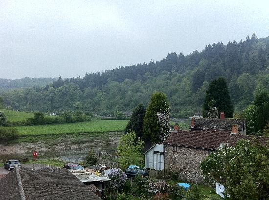 Parva Farmhouse Riverside Guesthouse: Bedroom View