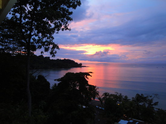Drake Bay, Costa Rica: Amazing sunset from our porch