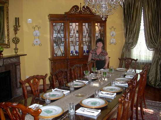 1896 O'Malley House Bed and Breakfast: beautiful dining area