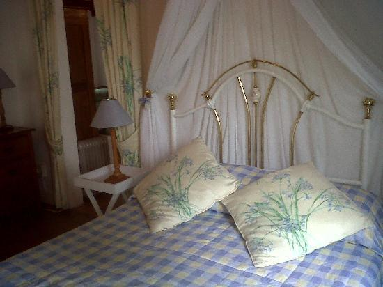 Yellowwood Lodge: double bed