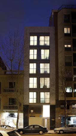 MH Apartments Family: Edificio