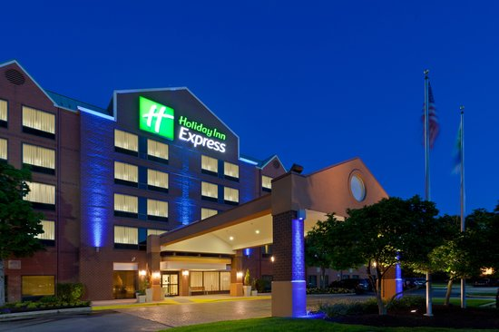 Holiday Inn Express Baltimore - BWI Airport West : Front of hotel