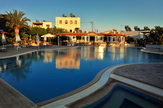 Photo of Coliseum Studios & Apartments Pefkos