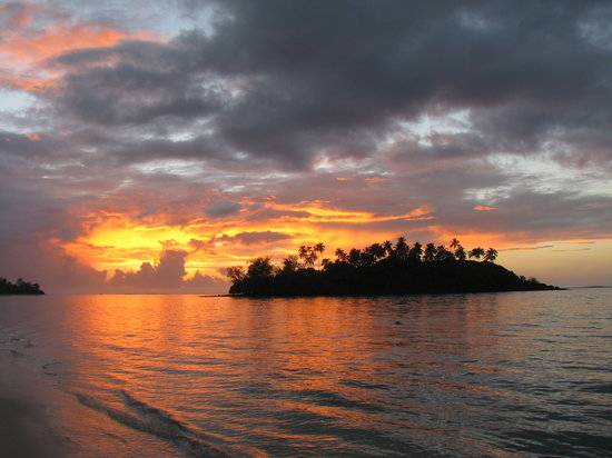 Muri, Cook Islands: sunrise