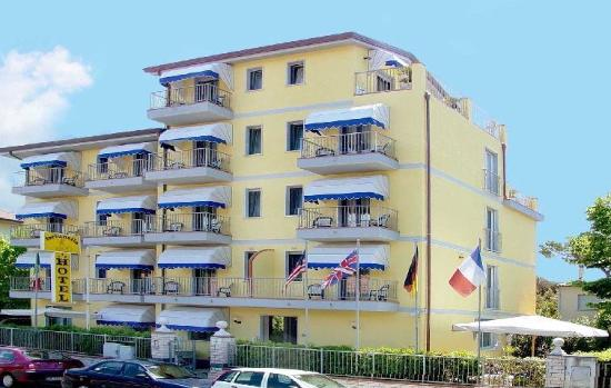 Photo of Hotel Fortunella Lido Di Camaiore