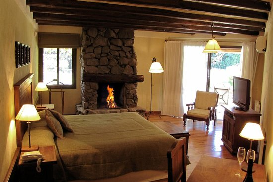 Lares de Chacras: Special Room with fireplace and Jacuzzi!