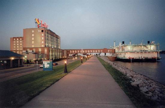 Bettendorf (IA) United States  City pictures : Bettendorf, IA: Try your luck at Isle Casino & Hotel