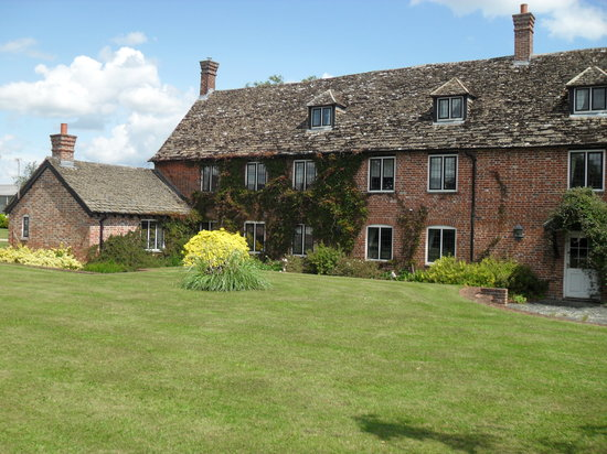 Witcomb Farmhouse Accommodation