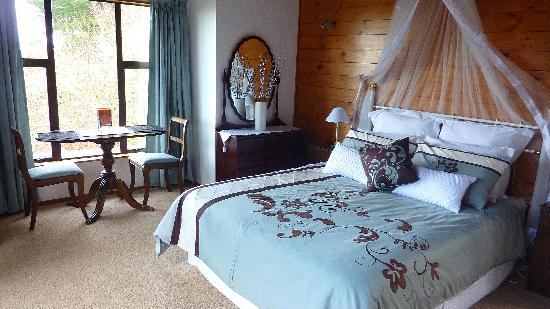Grafton Cottage and Chalets: Camellia Honeymoon Suite