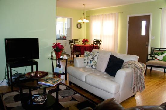 Parkside Bed and Breakfast: Living Room area