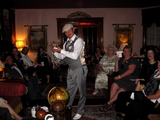 Murder mystery picture of the stone lion inn guthrie for Guthrie dining
