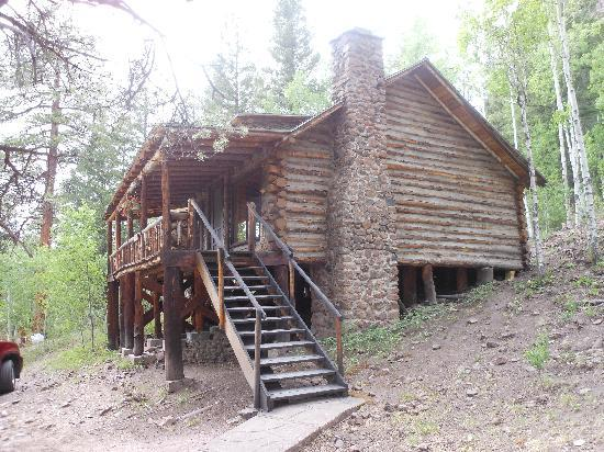 Rainbow Trout Ranch: Our cabin Sleeps 8