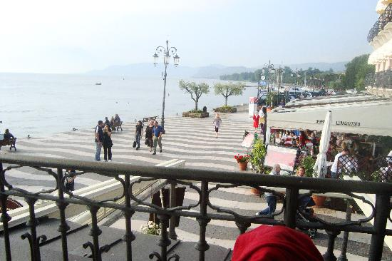 Lazise, : Promenade und Seeblick