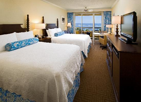The King and Prince Beach and Golf Resort: King and Prince Oceanfront Guest Room
