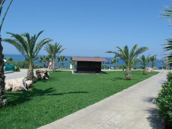 Pafian Park Holiday Village: ocean view