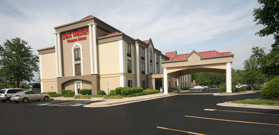 BEST WESTERN PLUS Windsor Suites: Hotel Exterior