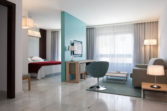 NH Algeciras Suites: Habitacin