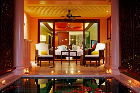 Centara Grand Beach Resort Phuket: Deluxe Pool Suites room