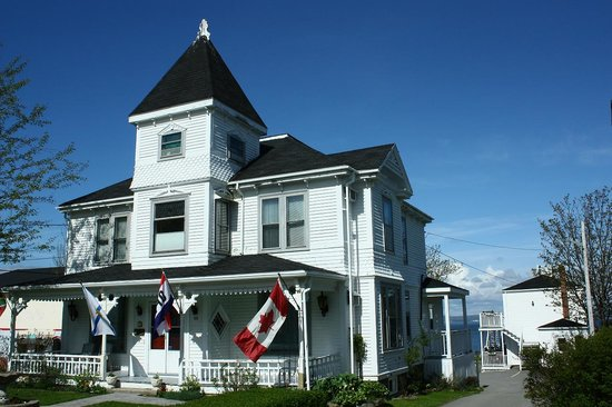 Come From Away B&B Inn