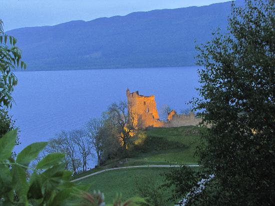 Great Glen Bed and Breakfast (Anderson Farmhouse): Urquhart Castle