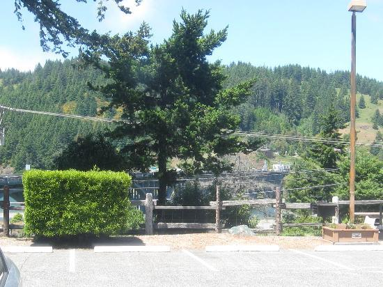 Motel 6 Gold Beach: View from room across the Valley