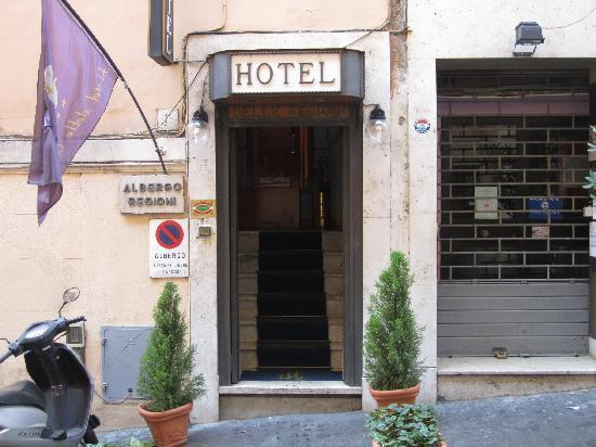 Hotel Delle Regioni: Hotel Entrance