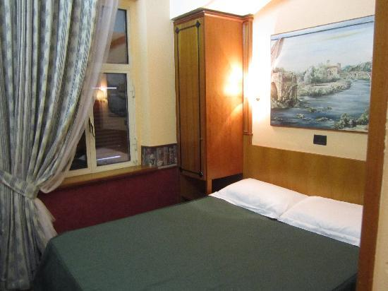 Hotel Delle Regioni: Hotel (Room 4)