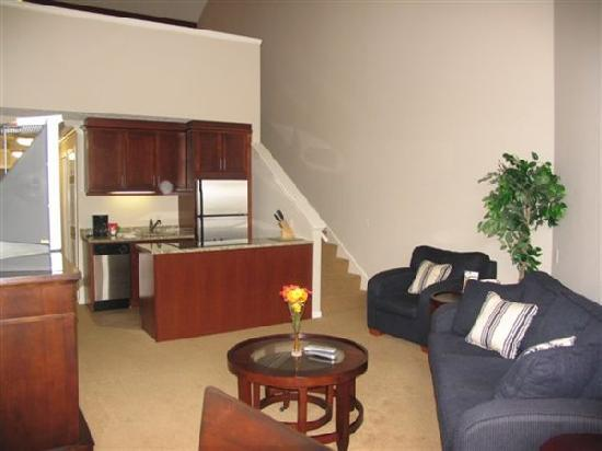 Pointes North Inn: 208 living area