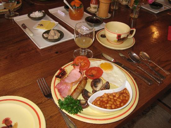 Hallwood Farm Oast House B & B: Farmhouse breakfast