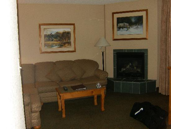 Trickle Creek Lodge: living room and fireplace