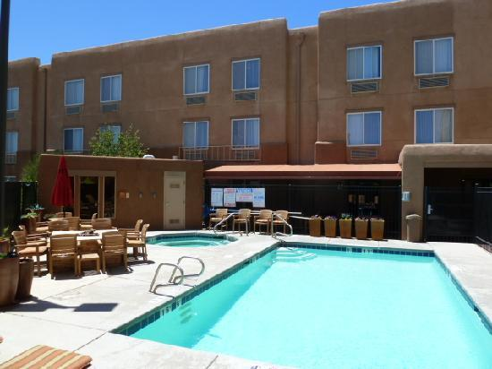 Inn At Santa Fe: Pleasant Pool