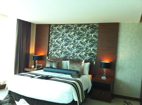 Fairmont Bab Al Bahr: bed