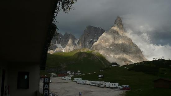 Passo Rolle, Italy: vista sul Passo dalla mia camera