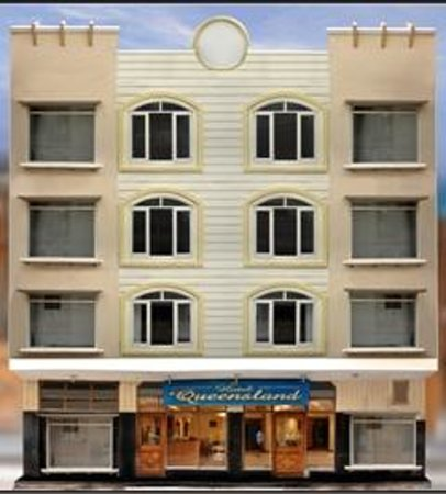 Hotel Queensland: Facade
